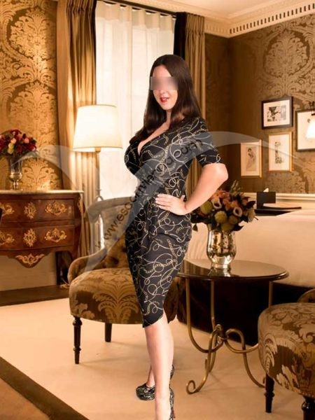 Huge breasts escort girl in Vienna